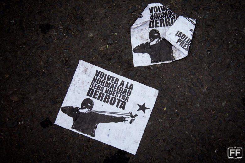 Boletín La Oveja Negra N°67 [Rosario, Arg.]: Chile: ya no hay vuelta atrás